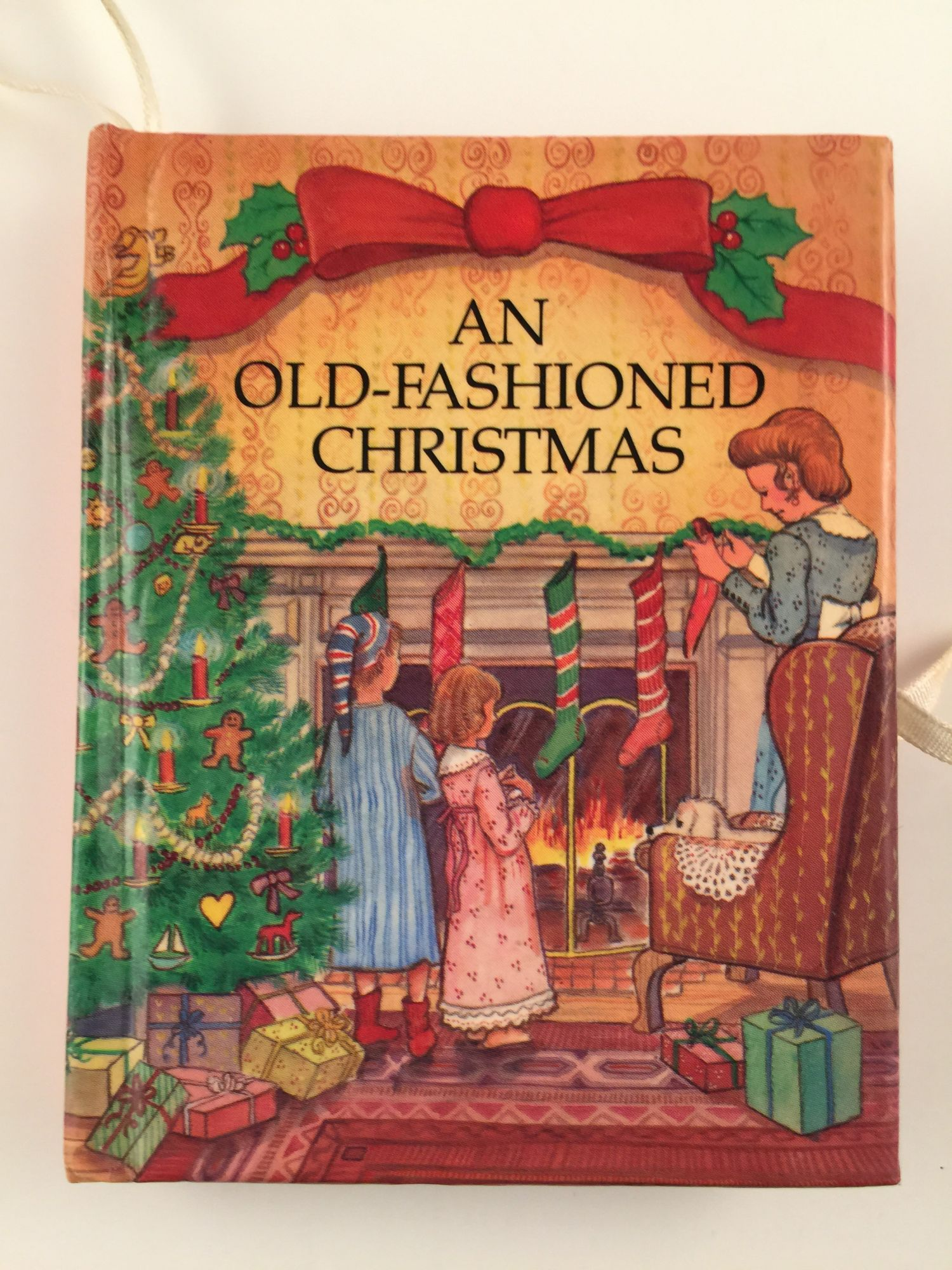 An Old Fashioned Christmas/Miniature Three-Dimensional Carousel Book ...